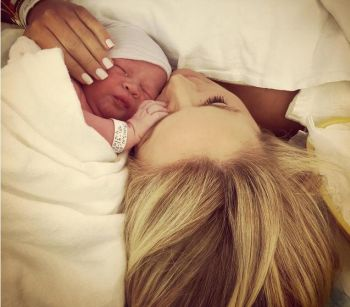 Emily managed to look perfect even after giving birth...