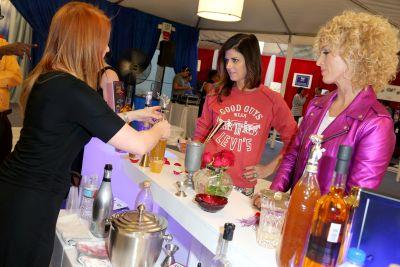 Musicians Karen Fairchild and Kimberly Schlapman of Little Big Town tried The Natural Mixologist cocktails.