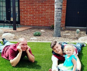 Tyler, Nova and Catelynn's father, David Lowell, on the rehab grounds yesterday.