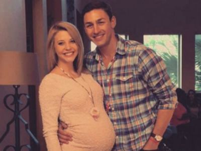 Tony with Madison, during her pregnancy with Harper...