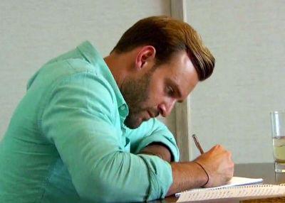 """Dear JoJo... Wanna be my wife? Check YES, NO or MAYBE SO"""