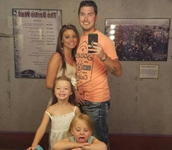 Jeremy, Brooke and their daughters on vacation in Ocean City...
