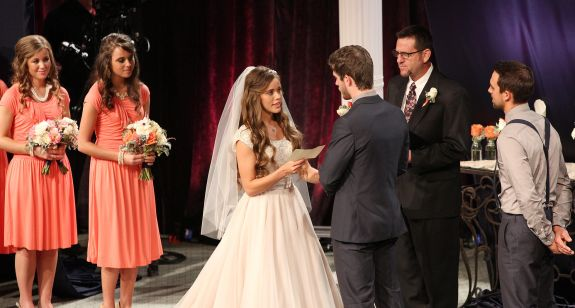 Jinger Duggar Wedding Dress.Duggar Family Weddings By The Numbers The Ashley S Reality Roundup