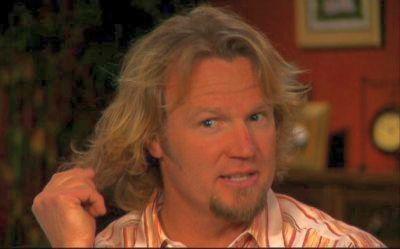 """Don't let this blond hair fool ya! I've got plenty of smarts!"""