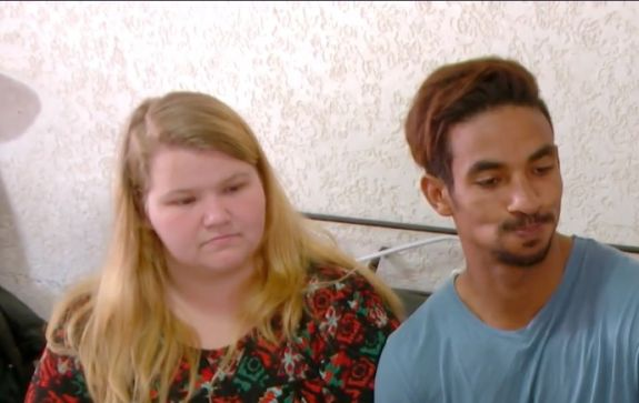 """90 Day Fiance"""" Star Nicole Nafziger Answers Questions About Her Sex"""